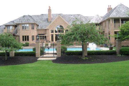Homes of the Memorial Tournament along the Muirfield Village Golfcourse